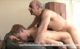Pornô incesto padrasto fodendo o cuzinho do enteado gay