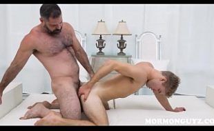 Sexo incestuoso gay tio fodendo cu do sobrinho novinho