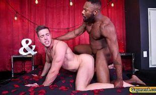 Xvideos sexo gay negão comendo branquinho